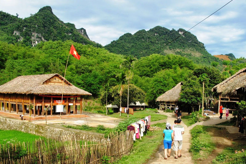 Mai Chau Hill Tribe Village 2Days 1Night (Overninght in Homestay - Private Tour)